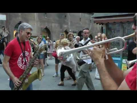 UMBRIA JAZZ 2012 - FUNK OFF live [full HD]