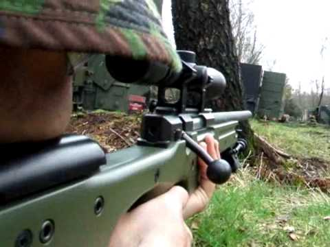 Airsoft War Action Girls The Fort G36, L96, AK47, M4 R85 Scotland 狙擊槍