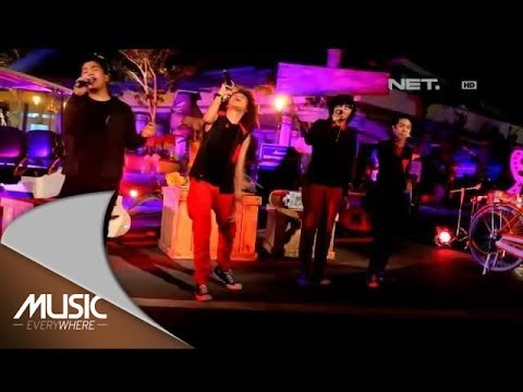 Ngaca Dulu Deh (Live)