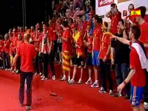 Spain celebration and Pepe Reina show [ENG SUB.] World Cup 2010