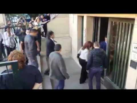 <b>Comodoro Py.</b> Blanca Osuna saluda a Cristina Kirchner