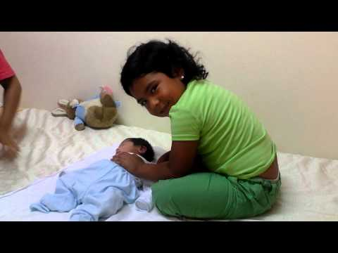 Manuelito - Chinitos cuidándolo en la clínica