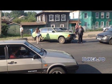 На улице Ленина авто-леди устроила драку