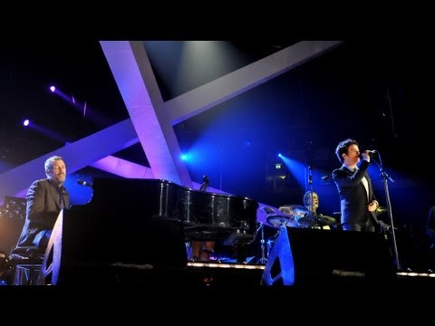 Hugh Laurie & Jamie Cullum perform Hallelujah, I Love Her So - Children in Need Rocks - BBC