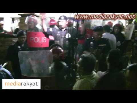 Malaysian Police Stopped Pakatan Rakyat's March 8 Anniversary Celebration In Kuala Lumpur