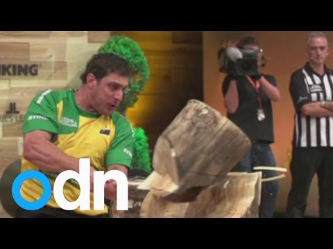 شاهد بالفيديو : مسابقة أفضل قاطع للأخشاب في العالم