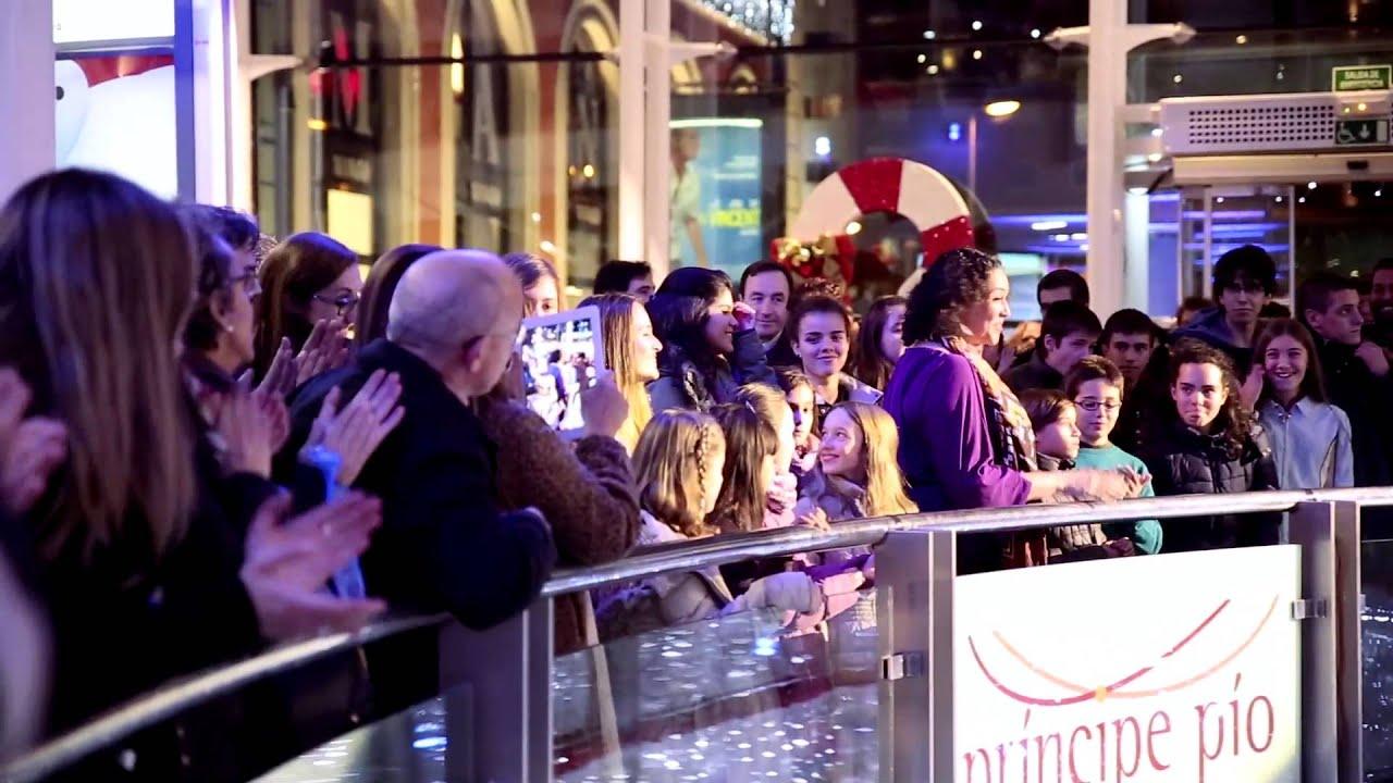 Sorprendente Flashmob de opera y gospel en Navidad