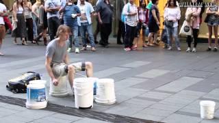 一位街頭鼓手 -
