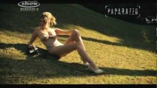Barbara Evans paparazzo - YouTube