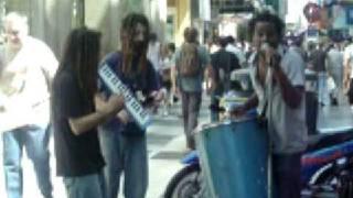 banda de reggae en calle florida, capital federal, buenos aires, argentina