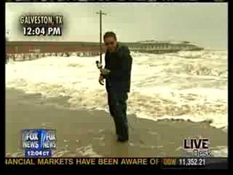 Geraldo Rivera Falls From Hurricane IKE