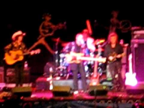 Marty Stuart - Stayin' Alive (Bee Gees) Country Version Edmonton Folk Fest