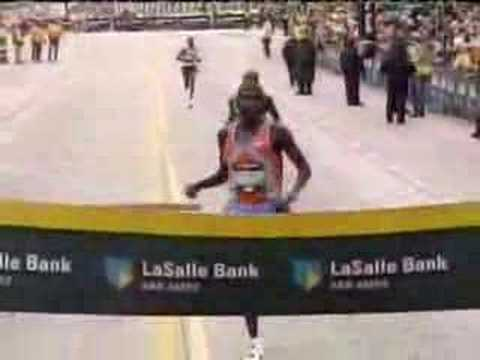 2006 Chicago Marathon - How NOT to end a race!
