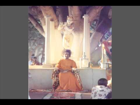 Sri Sathya Sai Darshan (Brindavan) - The Early Years.  Part 5/11
