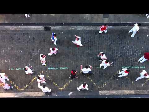 Mozo arrollado encierro cuesta Santo Domingo San fermines 12-07-12