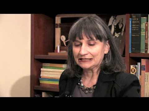Professor Ana María Hernández discussing her interest in Sor Juana Inés de la Cruz