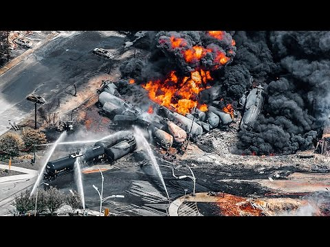 """Big Oil Fought (and Won) To Make """"Bomb Trains"""" Less Safe"""