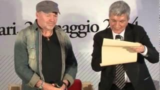 Vasco Rossi Cittadino Onorario della Puglia creativa