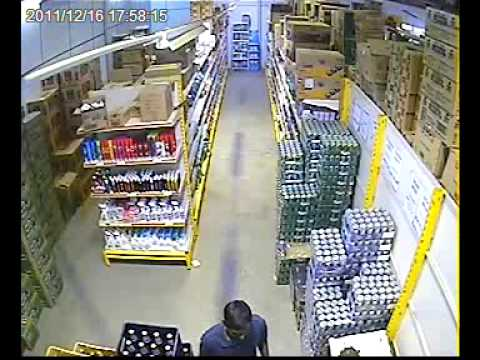 Watch how this thief steal the beer