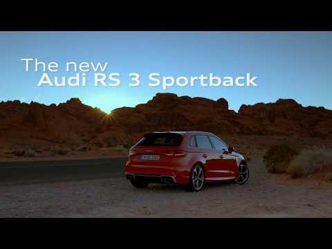 Audi RS3 Sportback im Schnee mit Matthias Ekström