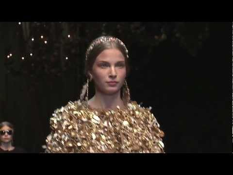 DOLCE & GABBANA WOMENSWEAR FW 2013 FASHION SHOW -Gzv-NJ3LmfY