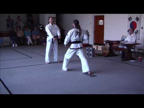 Tang Soo Do and Tae Kwon Do Moo Duk Kwan One Step Technique
