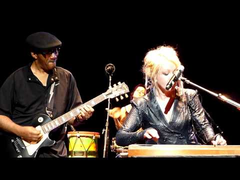Cyndi Lauper - All through the night (Gran Rex - Argentina 2011) [HD 720p]