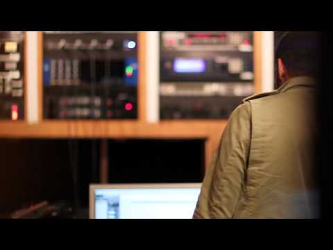 Ryan Leslie - Beautiful Lie In-Studio