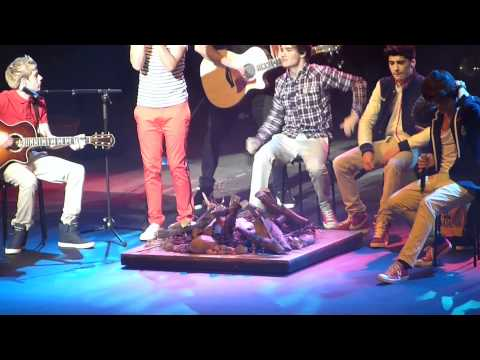 One Direction - Stereo Hearts/Valerie Live HD