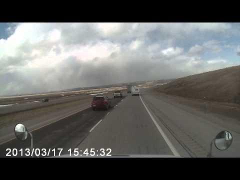 Ветер перевернул грузовик