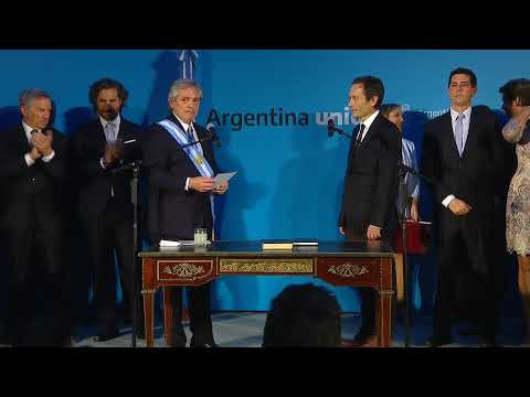 El presidente Alberto Fernández toma juramento a sus ministros