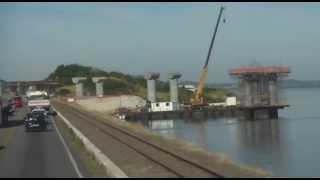 Cruzando as obras da nova Ponte de Laguna a Ponte Anita Garibaldi