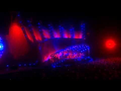 Genesis - Mama - From When in Rome 2007 DVD