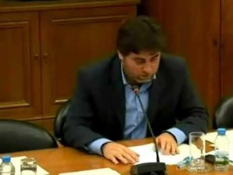 O governo do PSD/CDS está a destruir o ensino do português no estrangeiro
