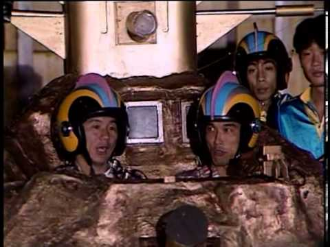 Most Extreme Elimination Challenge (MXC) - 411 - Celebrity Justice vs. TV Motor Shows