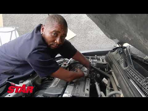 'Garrison mechanic' makes car magic without hands