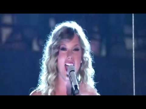 Taylor Swift Mine CMA Music Fest 2011 Festival Carrie Underwood Tim McGraw Felt Good On My Lips