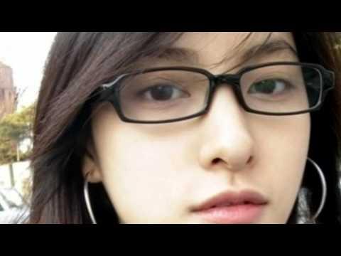Park Gyuri (KARA) mặt mộc và khi trang điểm