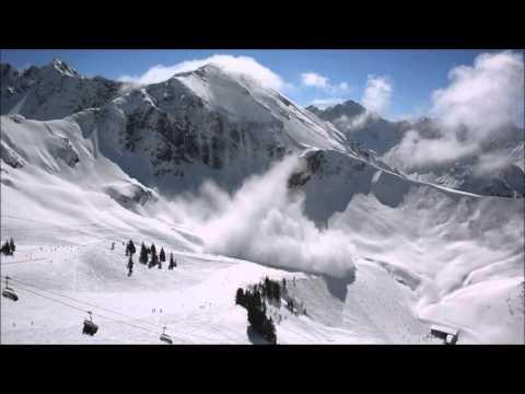 Lawine überrascht Skifahrer  Kanzelwand Oberstdorf Ostern 2016 - snow avalanche