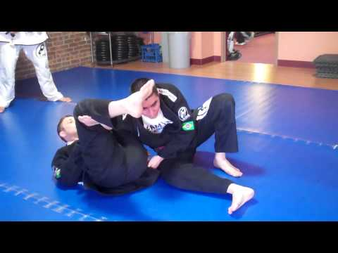 Marco Alvan Jiu-Jitsu Instruction - Omoplata Escape