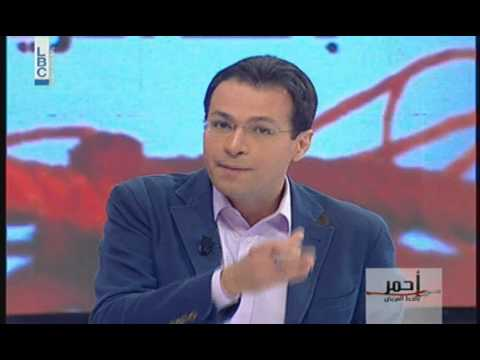 شاهد بالفيديو..لبنانية تأكل رأس أفعى مباشرة وعلى الهواء لتثبت للرجل قوة المرأة..