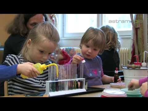 Music kindergarten Luna, Wien; Where children learn freely: Commercials / Promotional: AUSTRIA: ...