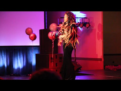 WATCH: Drag Show