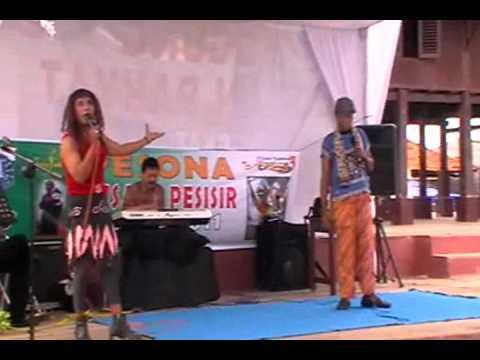 Topeng Betawi -IzEea_ESobc