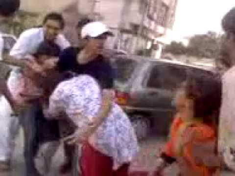 farooq katlang...2 Girls fight(02).3gp