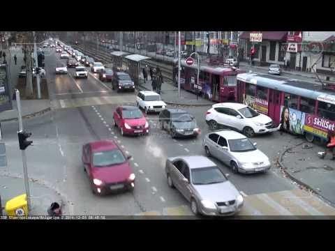 فيديو: سائق روسي يقرر العبور أمام قطار في التوقيت الخطأ