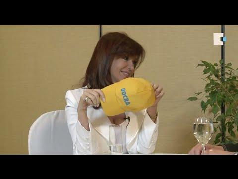 <b>Cristina volvi� a dar una entrevista:</b> &quot;Los salarios argentinos son los m�s altos de la regi�n&quot;