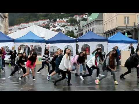 Gangnam style flashmob (in bergen norway)