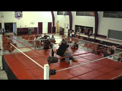 Bobby Hart vs Dexter St. Jock