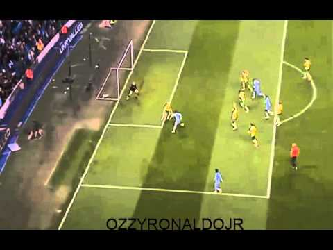 Mario Balotelli Fantastic Goal Manchester City Vs Norwich 4-1